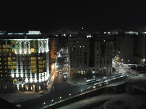 Tengah Malam Kota Madinah
